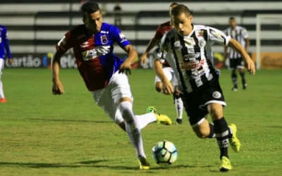Paraná não leva gol pela nona vez n...