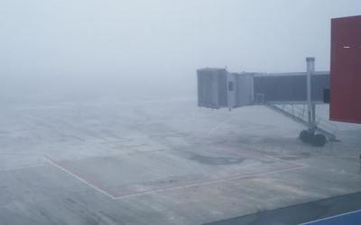 Neblina fecha o Aeroporto Afonso Pe...