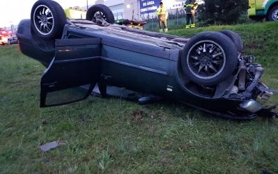 Motorista perde o controle da direç...
