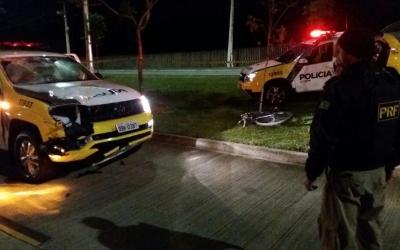 Carro da Polícia Militar atropela e...