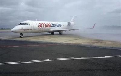Curitiba recebe primeiro voo de nov...