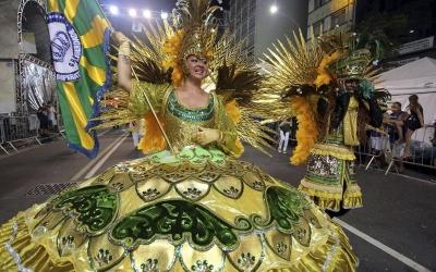 Para desfile de Carnaval, Marechal ...