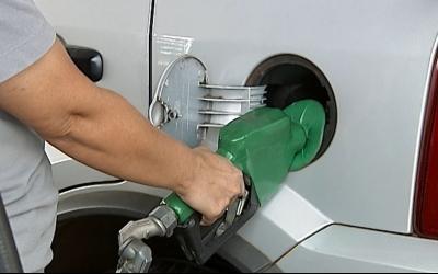 Petrobras reduz preço da gasolina e...