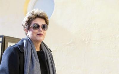 Filme sobre impeachment tem Dilma ovacionada