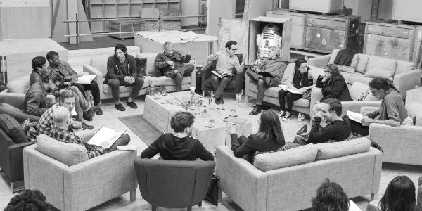 Harrison Ford machuca tornozelo e i...
